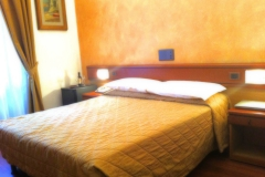 Camere standard Hotel Aspromonte 3 stelle Matrimoniale2